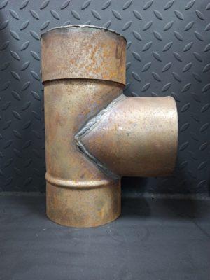 Тройник одностенный из черной стали СТ-3 с заглушкой